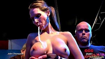 Сочная блондинка с шикарными сисяндрами без возражений даёт выебать юноше свою киску