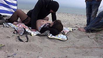 Жена застукала хахаля с любовницей и решилась на тройничок