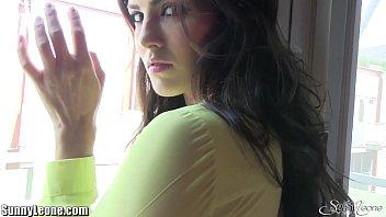 Костюмированная страстная порка перед камерой молодой парочки