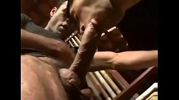 Девушка соблазнила своего массажиста, дабы попрыгать на его члене